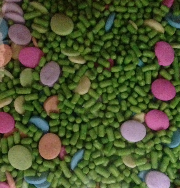 Grass and Eggs Easter Mix
